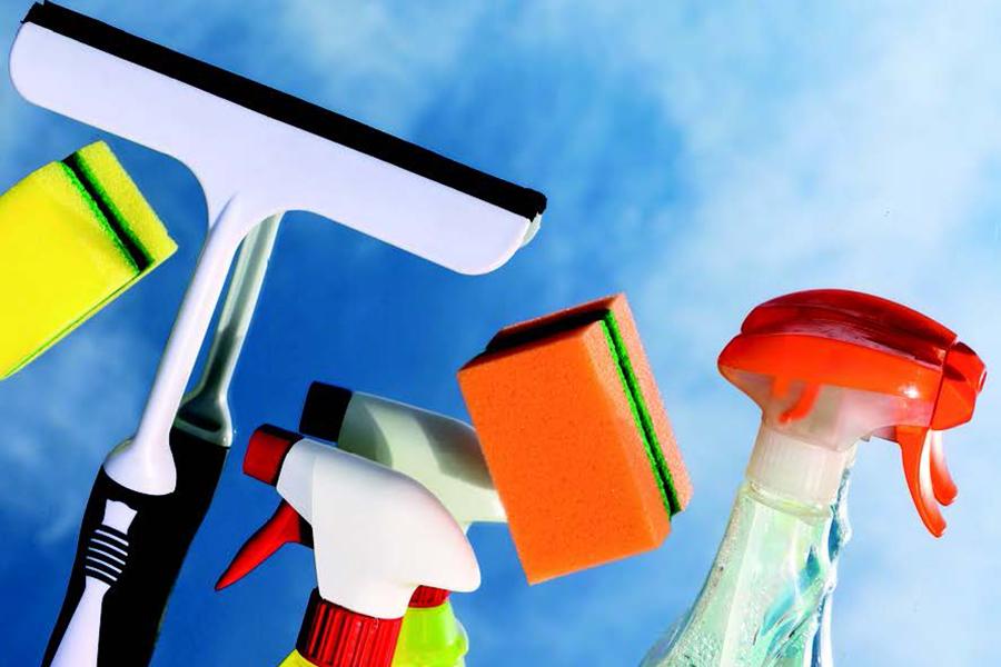 Manual y díptico AS2018-0023: Programa de intervención para la detección de necesidades preventivas del personal con discapacidad en el sector limpieza
