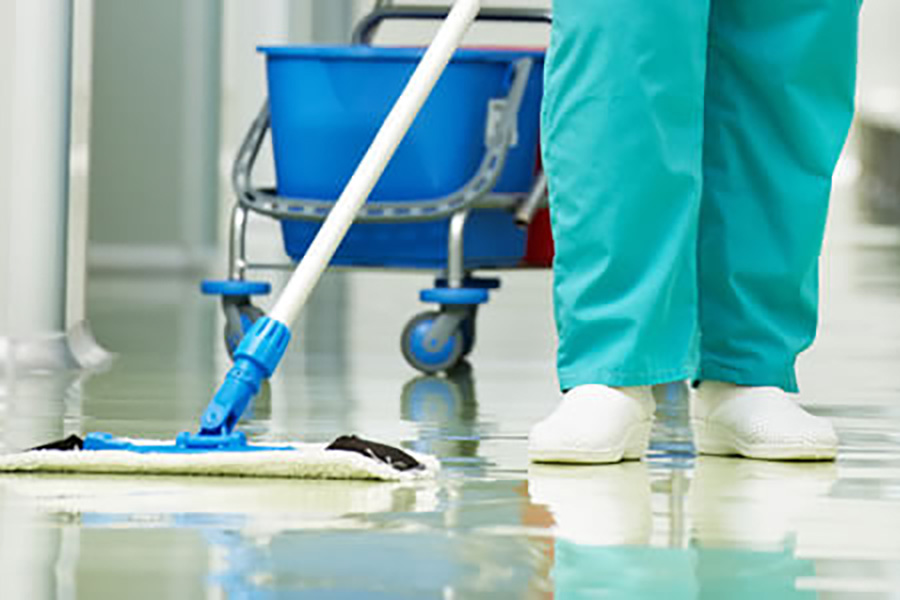 UGT solicita más protección para las profesionales de limpieza de hospitales, residencias y centros de salud